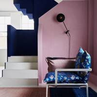Pink & blue colour blocking