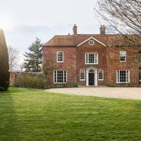 Exterior - Traditional Hampshire Country House