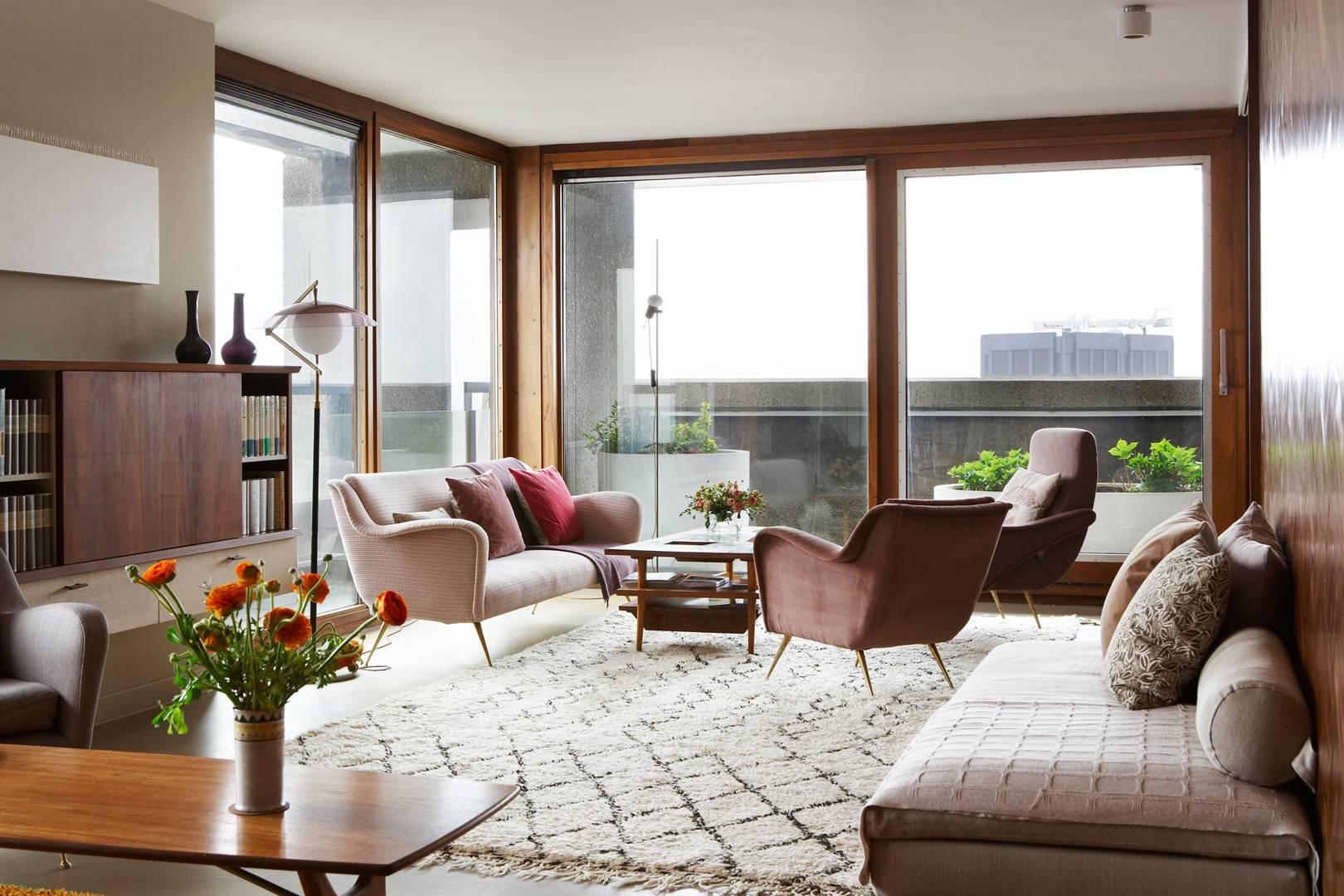 Barbican Flat by Maria Speake of Retrouvius - Mid Century Design ...