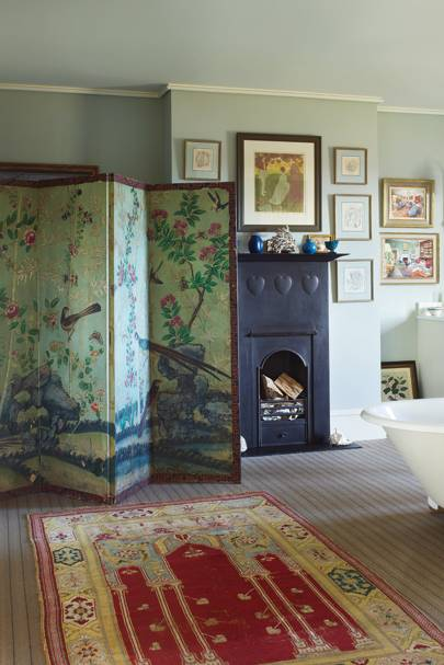 Traditional Painted Screen - Decorating with Chinoiserie | Interiors