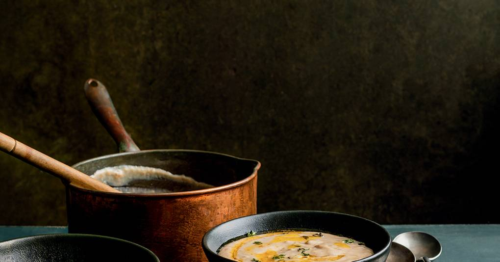 Celery and chestnut soup with onion bread