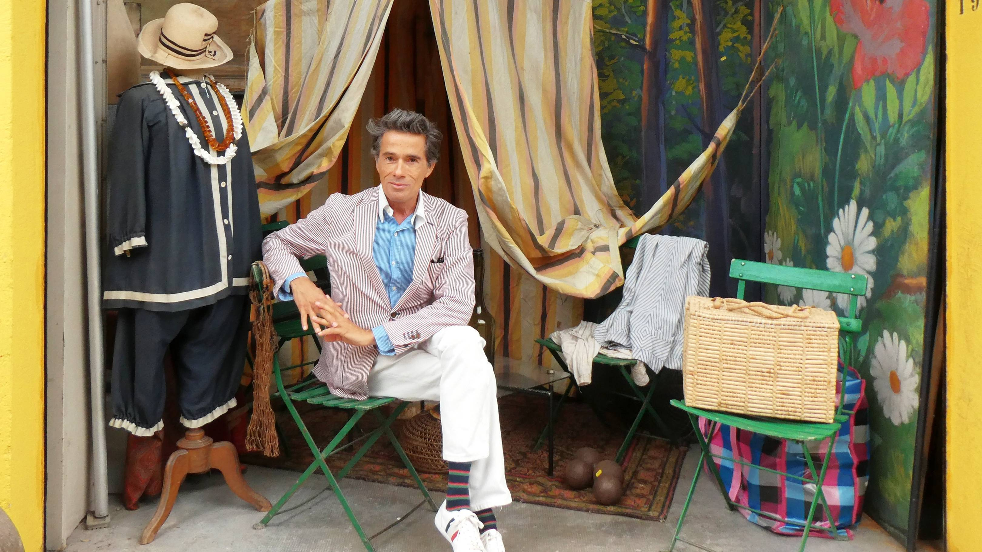 Vincent Darré gives an insider's guide to the Paris flea market