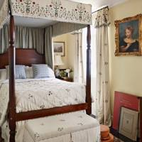 Four Poster Bed With Matching Curtains