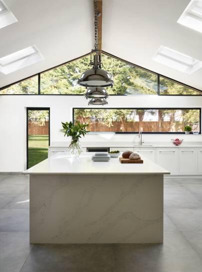 Kitchen Case Study: a minimalist extension by Harvey Jones