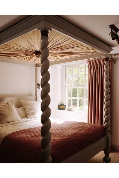 Fourposter Bedroom - Traditional Bath B&B