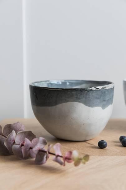 5. Oyster Handmade Ceramic Noodle Bowl