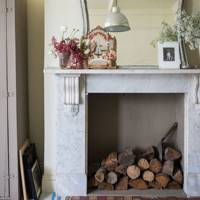 Paint an edge to your fireplace