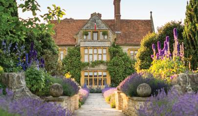 The Most Beautiful Hotel Gardens In World