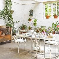 Fraser & Morris White Brick Garden Room - Garden Room Ideas