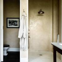 Walk-in Shower with Tadelakt Plaster