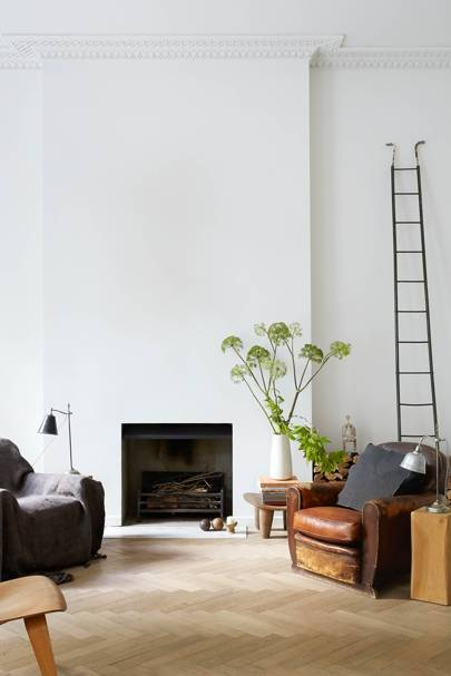 White Room & Minimal Fireplace