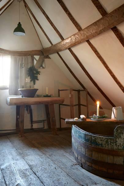 Wooden Tub Bathroom - Tudor House