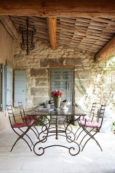 Rustic Outdoor Dining Area