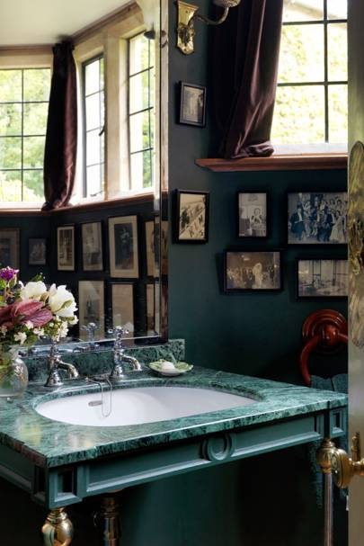 Malachite Topped Sink with Bottle Green Walls