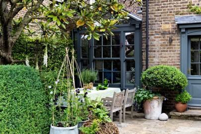 Secluded Patio Dining Area | City Garden Ideas