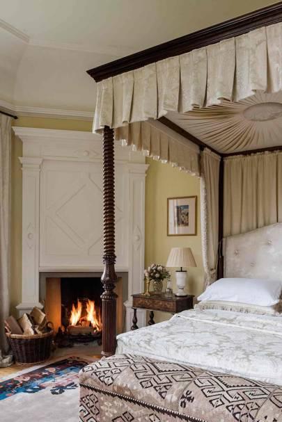 Spare Bedroom - Newbuild Jacobean-style Manor