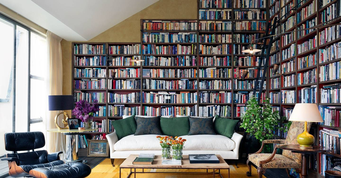 A bibliophile's understatedly luxurious apartment
