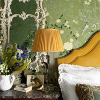 Bedroom with Green Floral de Gournay wallpaper