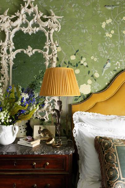 Bedroom with Green Floral de Gournay wallpaper | Bedroom Ideas