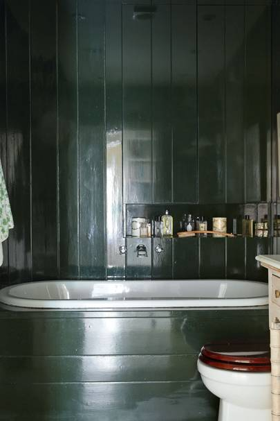 Small Dark Green Panelled Bathroom
