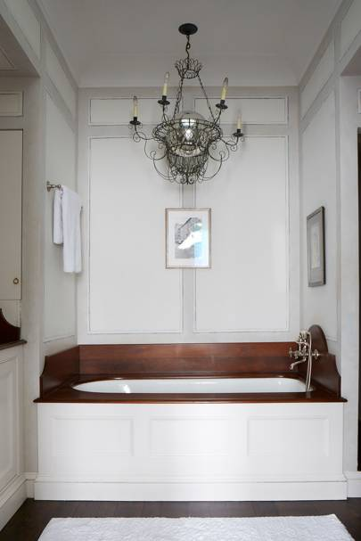 White Bathroom with Painted Faux Panelling