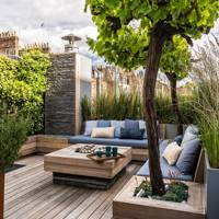 Small Roof Garden With Decking