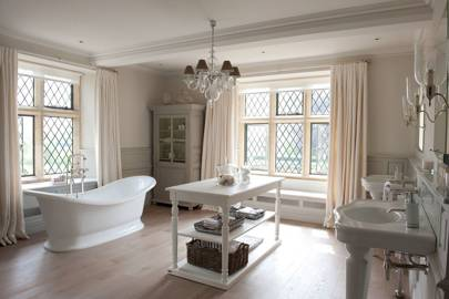 Cotswold Manor Bathroom - Emma Sims Hilditch