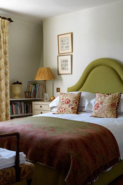 Guest Bedroom - English Garden Square House