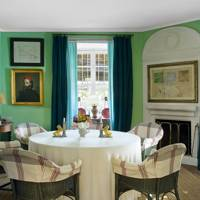 Jade Green Painted Walls in Farmhouse