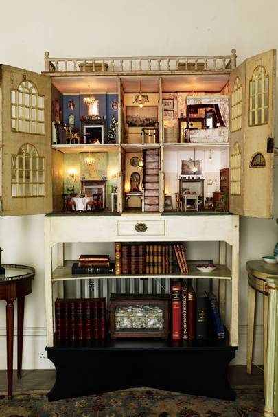 English Country Home Interiors: Georgian Dolls House Belonging Philippa Devas