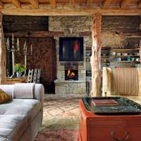 Living Room - 18th Century Rustic Barn