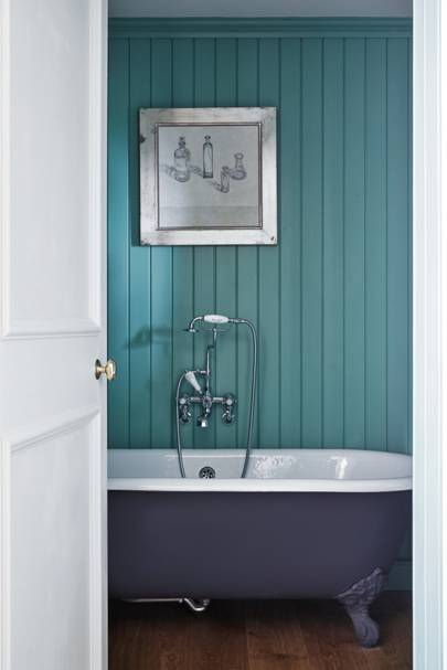 Turquoise Panelled Bathroom