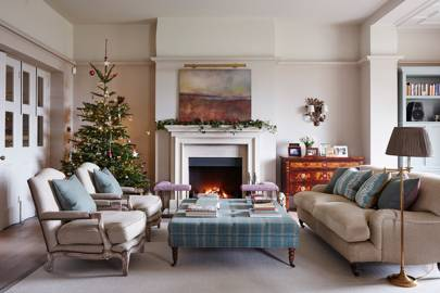 Living Room - An Elegant House in Surrey