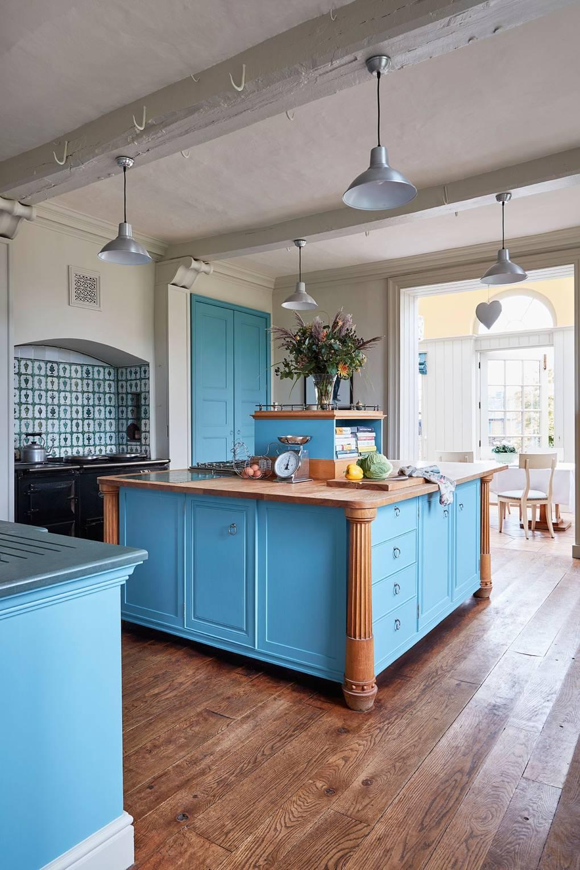 Edward Bulmer Queen Anne Country House | House & Garden