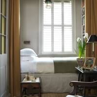 Veere Grenney, Small City Guest Room Design - Spare Room Design Ideas