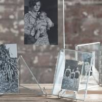 Floating Glass Photo-Frame