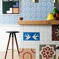 Kitchen Island with Ceramic Tiles