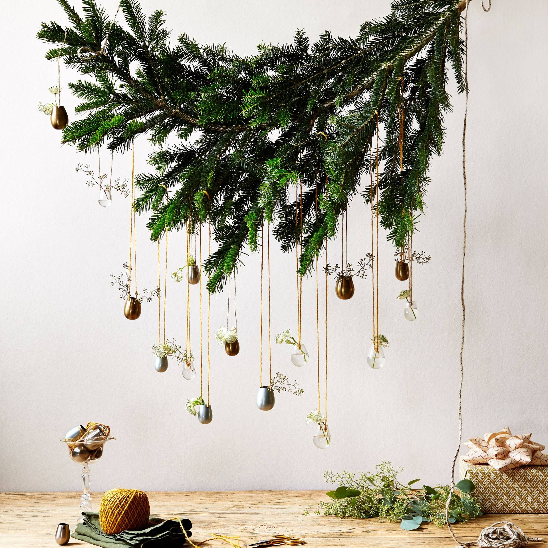 Christmas Decorating With Plants Foliage Holly Ivy Mistletoe House Garden