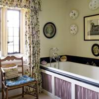 'Geranium' Bathroom Curtains