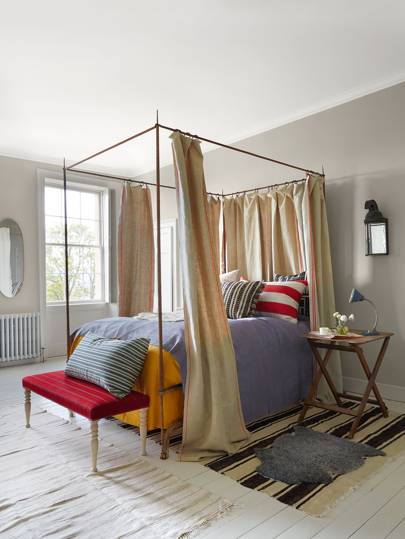 Draped four-poster