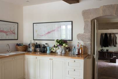 Farmhouse Kitchen with Cream Units