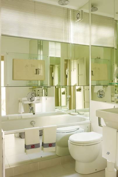 Small Mirrored Bathroom