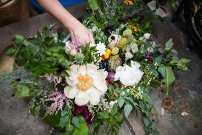 Flower arranging with Worm