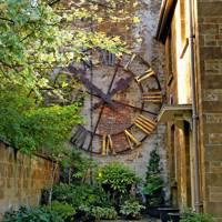 Feature Clock