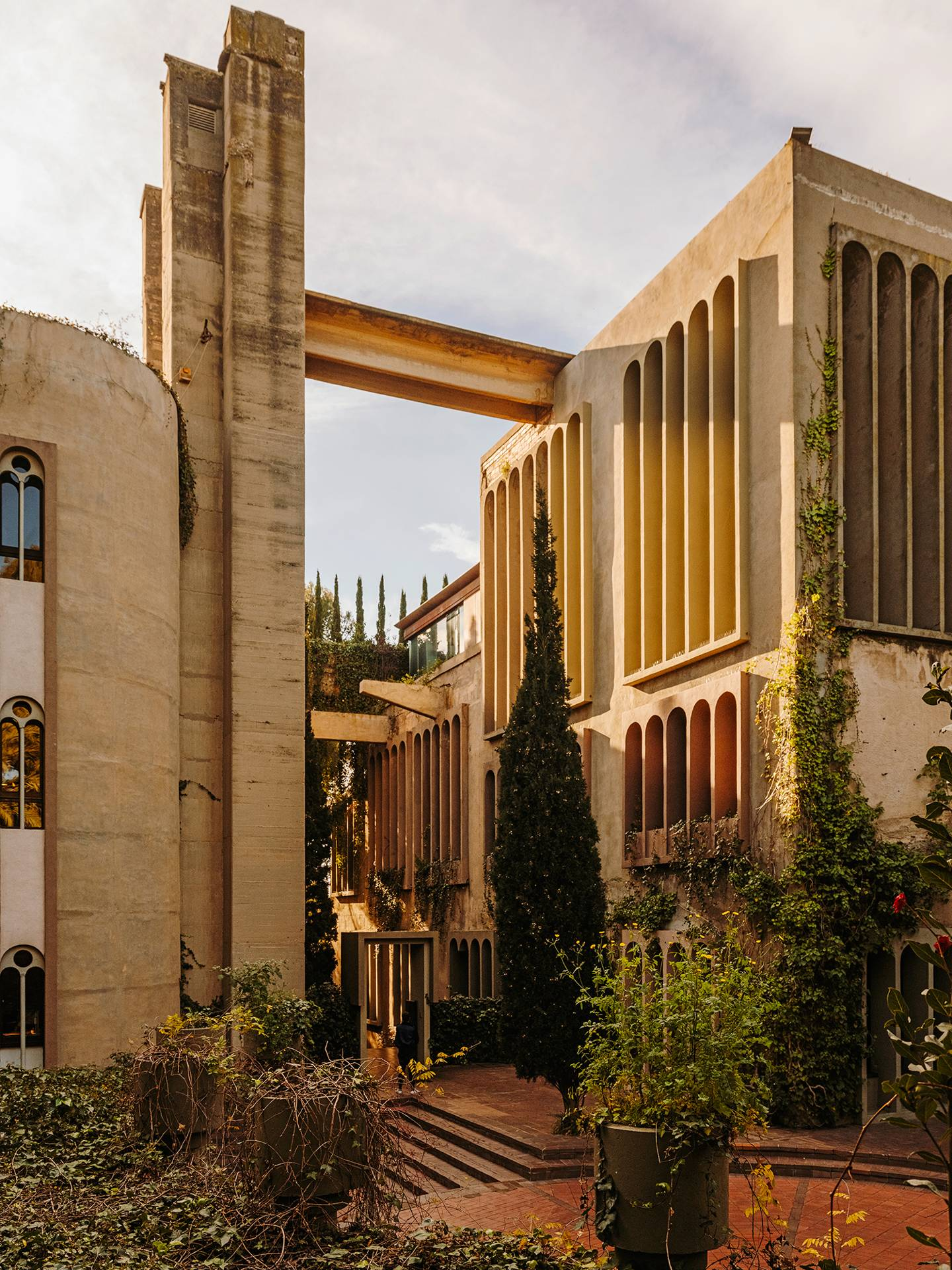 The story of La Fábrican, the cement factory that became architect Ricardo Bofill's home