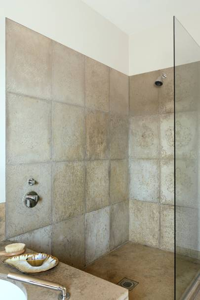 Shower room with neutral flock tiles