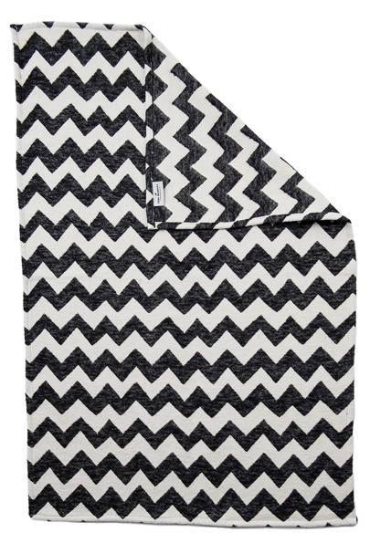 Monochrome baby blanket