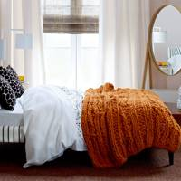 Chunky Bed Throw