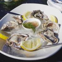 6 Oysters With Lemon And Tabasco = 70 Kcals