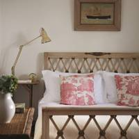 Pattern Cushion Bed